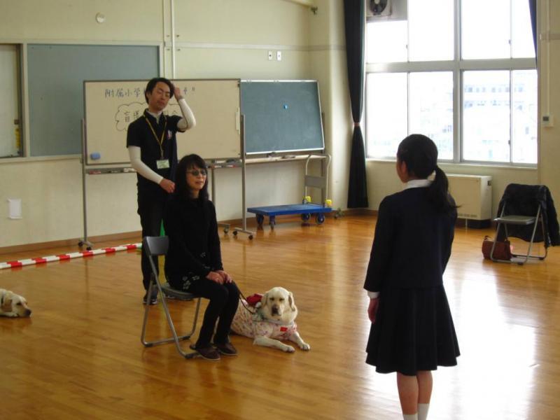 盲導犬ユーザー大石清美さんと盲導犬リオ号