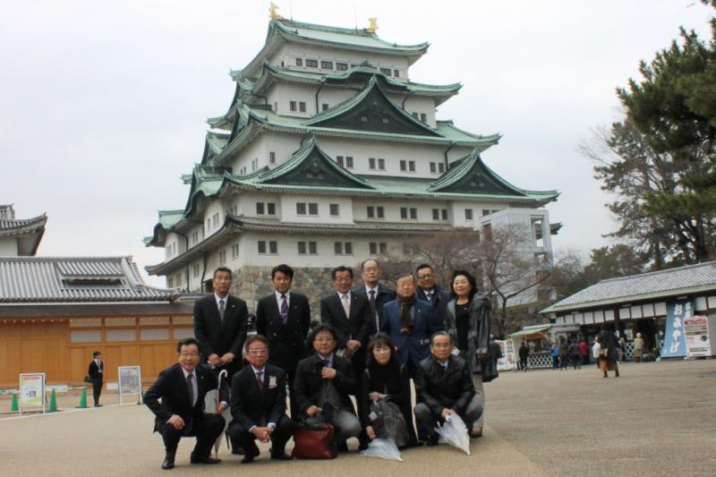名古屋城で記念撮影