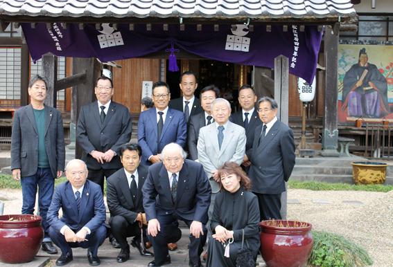 円成寺での法要に参列した当クラブと丹羽LCの皆さん